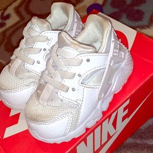 Baby Nike Huarache Run Sneakers